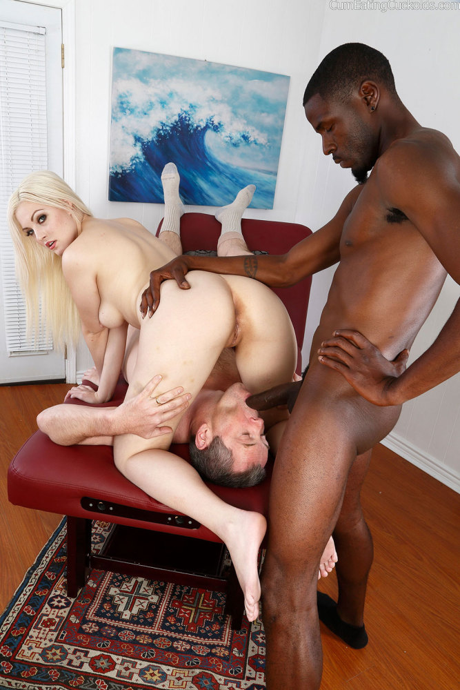 Hefty dark-hued man rod hotwife
