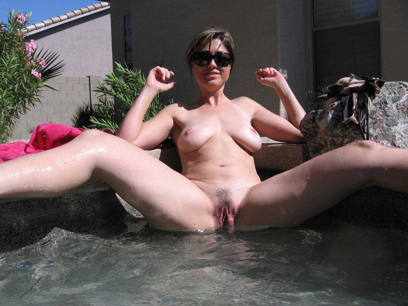 Mummy at the pool Superb Movie 18+