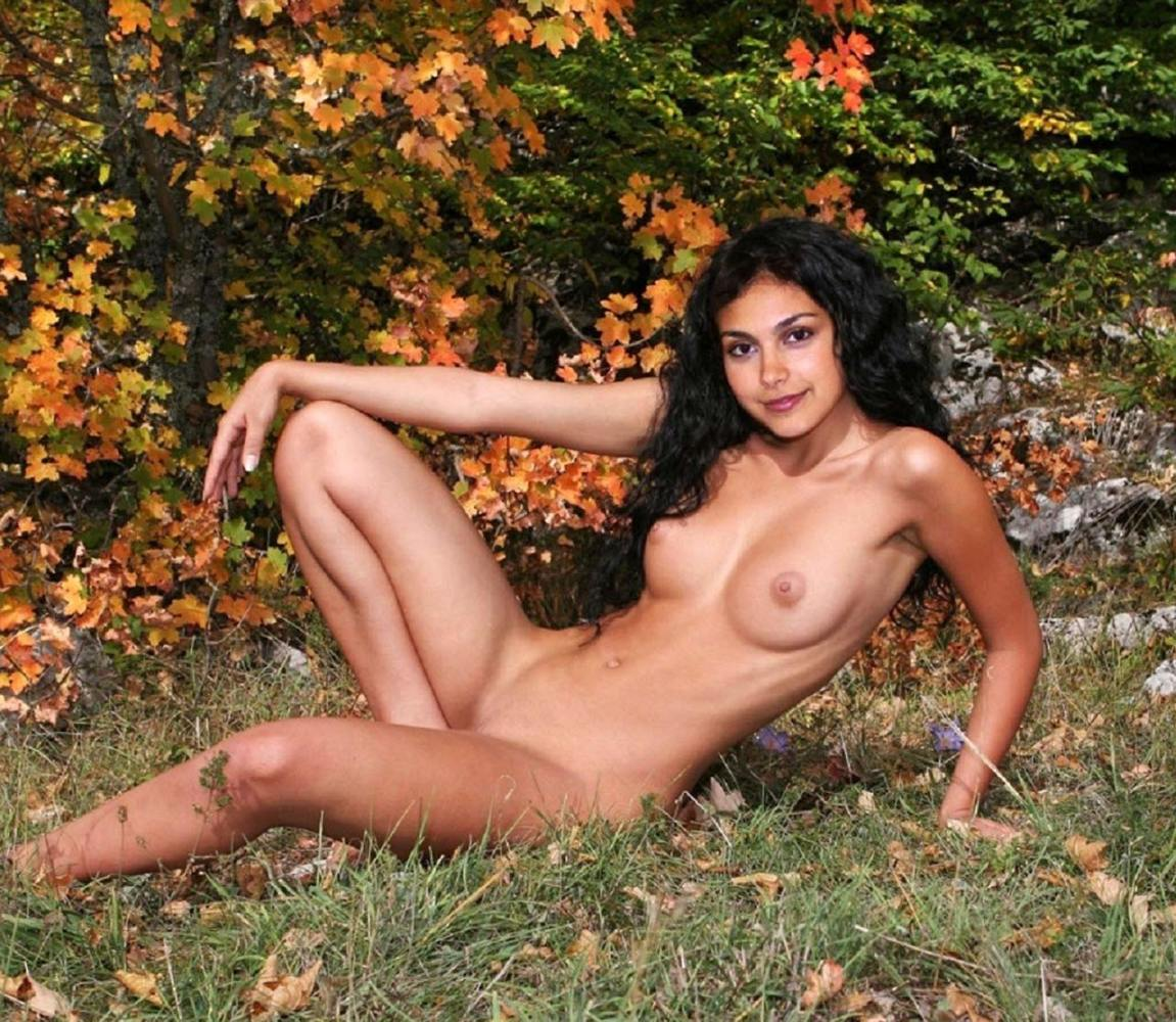 Morena Baccarin Naked Pictures -..